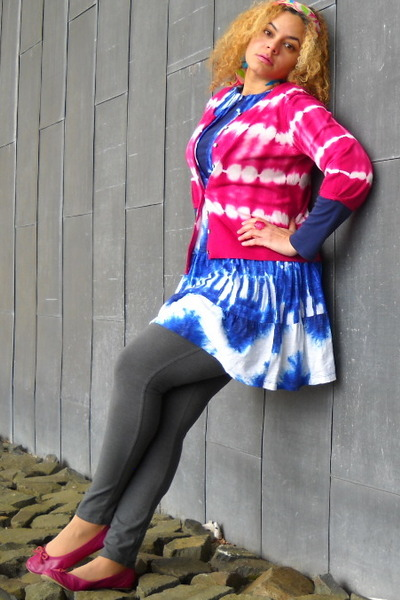 magenta tye dye sweater - blue dress dress