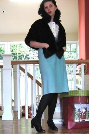 vintage 1940s coat - banana republic blouse - vintage from Decades skirt - vinta