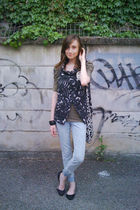 gray Zara vest - green Zara shirt - black nenet purse