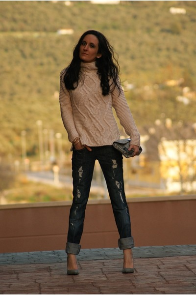 pink Zara sweater - blue killah jeans