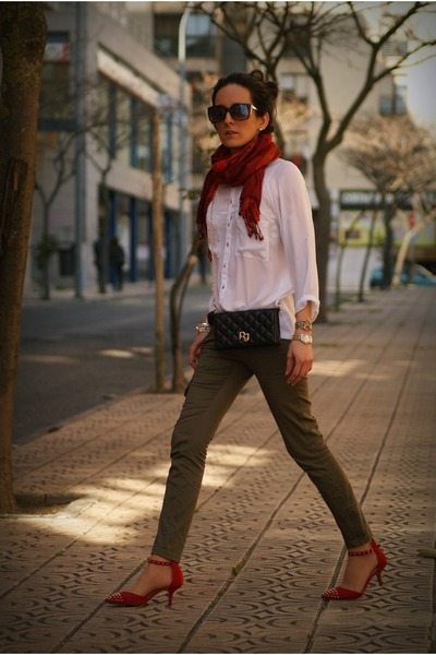 black purificación garcía bag - dark green Mango pants - red Zara heels