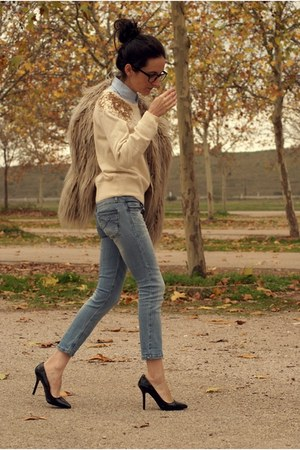 Stradivarius jeans - H&amp;M sweater - Zara heels - firmoo glasses