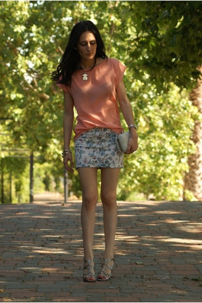 Zara skirt - Tous necklace - Gloria Ortiz heels - BLANCO blouse