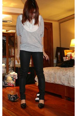 BCBG top - Zara pants - Salvatore Ferragamo shoes