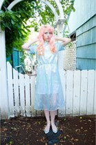 light blue iridescent Lady Petrova dress - off white seashell vintage bag