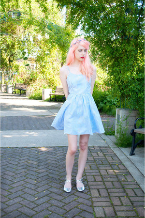 light blue gingham PYLO dress - periwinkle flower crown accessories
