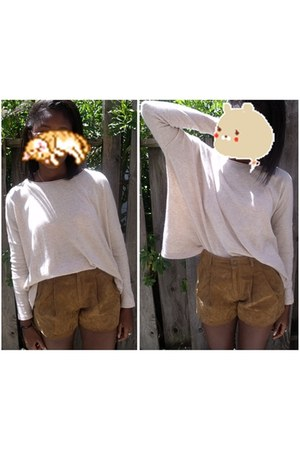 light brown suede Heritage 1981 shorts - camel bat winged H&M sweater