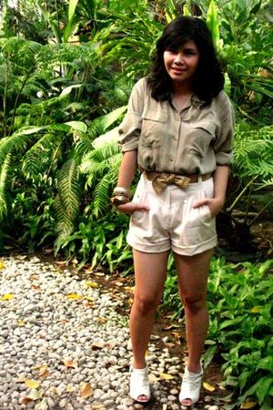 beige banana republic blouse - beige vintage shorts - beige Bonbons shoes