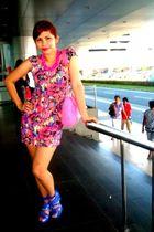 pink dress - pink - blue shoes