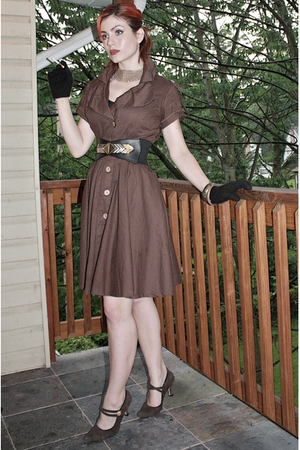 random store dress - vintage belt - vintage shoes - antique necklace - Vintage f