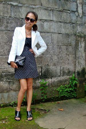 beige blazer - black dress - beige accessories - black purse - black shoes