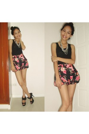 black shoes - black florals shorts - black lace top