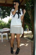 white Zara top - beige moms skirt