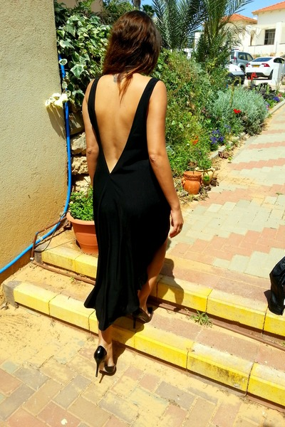 black deep back v HALstyle dress