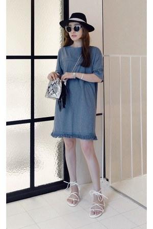 sky blue MIAMASVIN dress - white MIAMASVIN flats