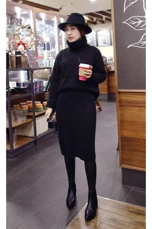 MIAMASVIN boots - black MIAMASVIN sweater - MIAMASVIN skirt