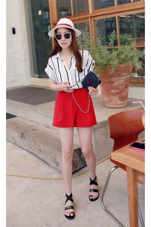 white MIAMASVIN shirt - red MIAMASVIN shorts - black MIAMASVIN flats
