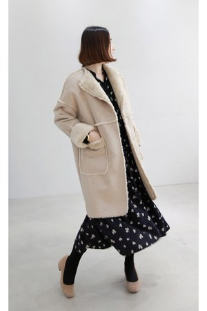 tan MIAMASVIN coat - black MIAMASVIN heels