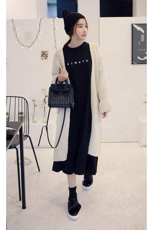 eggshell MIAMASVIN dress - black MIAMASVIN sneakers