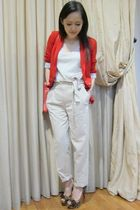 red Zara blazer - white Zara top - beige Zara pants
