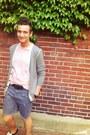 Black-gucci-belt-paint-splatter-diy-shorts-light-pink-jcrew-t-shirt