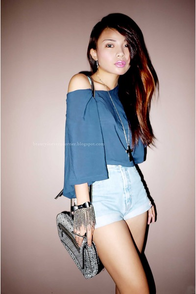 periwinkle high waisted shorts - navy loose top