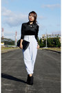Black-patent-clutch-anne-klein-bag-off-white-high-waist-ralph-lauren-pants