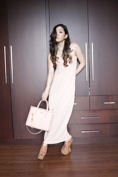 peach tube dress identite dress - peach mini bag Charles & Keith bag