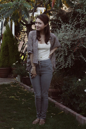 heather gray Urban Outfitters jeans - cream Primark top - periwinkle Primark top
