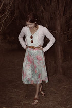 eggshell loose Valleygirl shirt - brown woven leather vintage belt - light pink