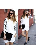 LEOPARD AND WHITE
