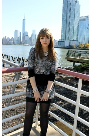 American Eagle necklace - black studded Steve Madden boots - HUE tights
