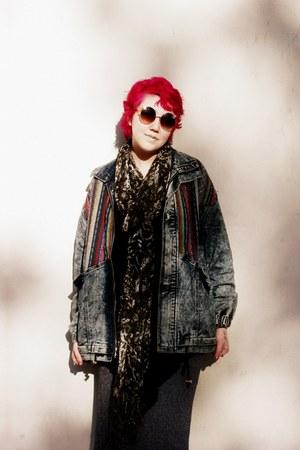 acid wash Forever 21 jacket - 1460 Dr Martens boots - Forever 21 sunglasses