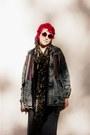 1460-dr-martens-boots-acid-wash-forever-21-jacket-forever-21-sunglasses