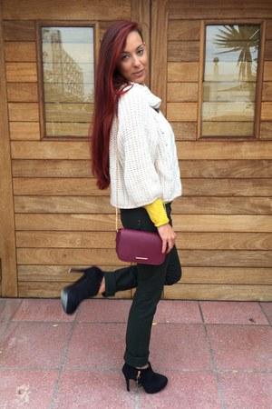 Bershka bag - Foxy up heels - Stradivarius pants