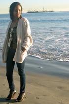 yellow vintage sweater - black Dolce Vita shorts