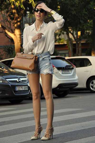 light brown Hermes bag - white Zara shirt - sky blue Levis shorts