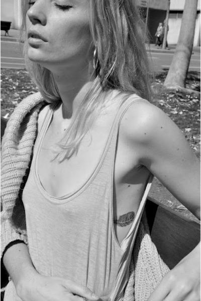 silver H&M cardigan - bubble gum Zara t-shirt