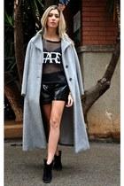 black romwe shirt - black q2 shorts - gold tublogshop watch