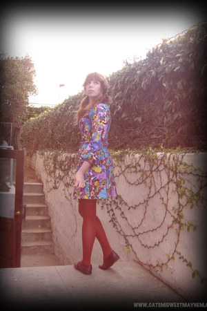 violet paisley unlabeled dress - brick red Payless shoes - tawny Target tights