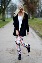 black Savannah boots - black vintage blazer - white COS t-shirt
