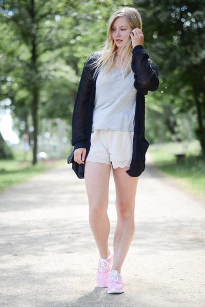acne cardigan - nike sneakers