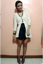 beige saveonfashion cardigan - white just g top - gray saveonfashion shorts - bl