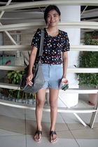 black saveonfashion blouse - blue PeopleArePeople shorts - gray purse - black de