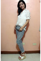 white thrifted top - gray ernest sewn jeans - white department store shoes