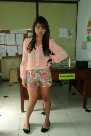 floral shorts - flats