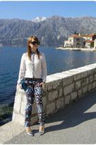 Zara pants - Bershka shoes - Zara shirt - Prada glasses