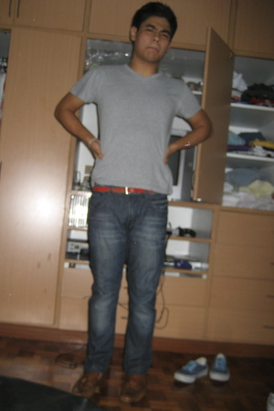H&M shirt - Topman jeans - Topman belt - Gucci shoes