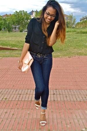 nude Zara bag - navy H&M jeans - black Bershka shirt - nude Zara heels