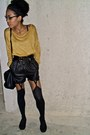 Mustard-vila-sweater-black-urban-outfitters-shorts